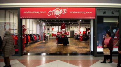 Royal Antwerp FC opent pop-up fanshop in Wijnegem Shopping Center