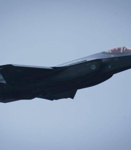 Bliksem verstoorde feestje: geen feestescorte F-35's