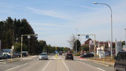 Eind deze maand veilig oversteken aan Steenberg dankzij drukknop