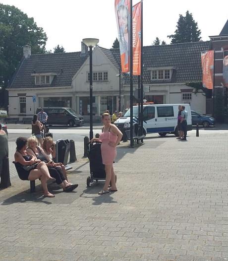 Fort Oranje bewoners druipen af na bezoek aan gemeentehuis