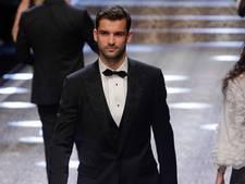 Dimitrov vermaakt zich op catwalk