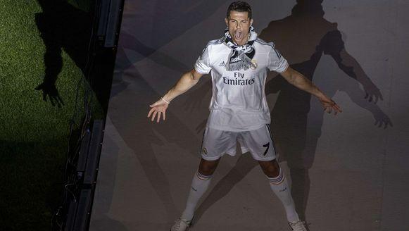Cristiano Ronaldo viert het winnen van de Champions League met Real Madrid.