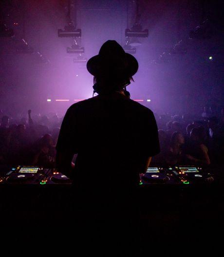 Nog eens 6 Amsterdamse nachtclubs krijgen een 24 uursvergunning