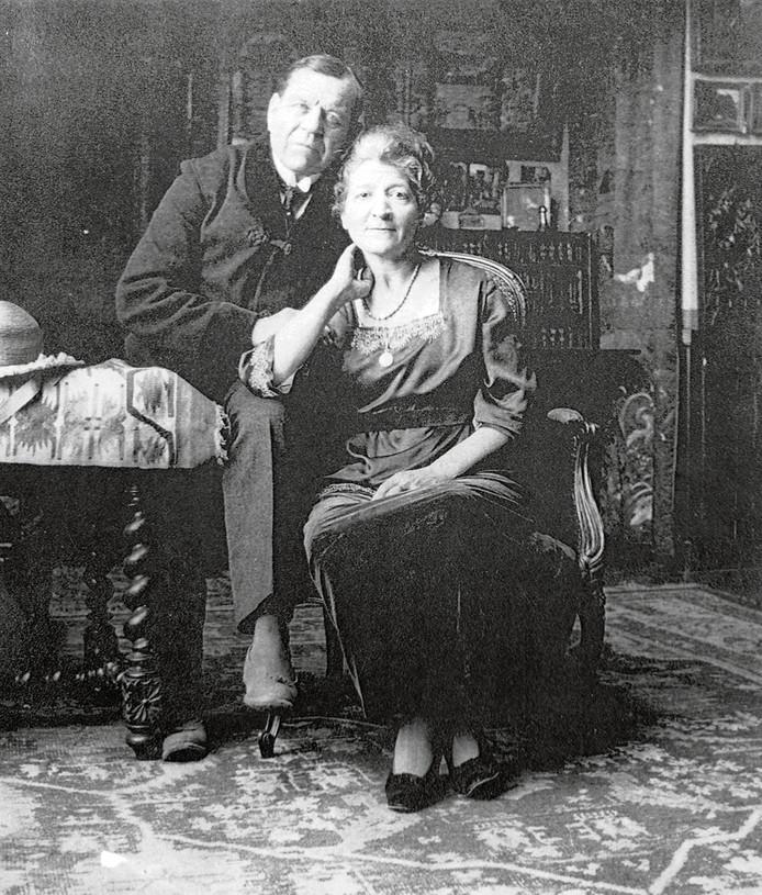 Kunstschilder Albert Depré en zijn vrouw Catherine Orliac