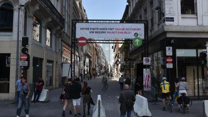 Brusselse handelaars klaar voor heropstart Nieuwstraat 'new style': nadarhekken, witte pijlen en duidelijke instructies