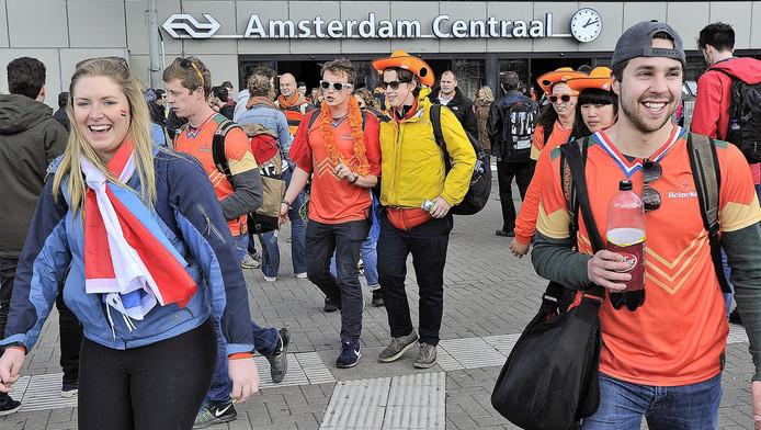 Naar verwachting pakken ongeveer 200.000 mensen de trein naar Amsterdam
