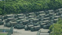 Chinees leger verzamelt troepen nabij Hongkong: vrees voor interventie neemt toe