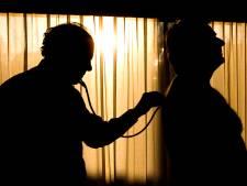Inspectie: Limburgse huisarts moet stoppen met experimentele behandeling coronapatiënten