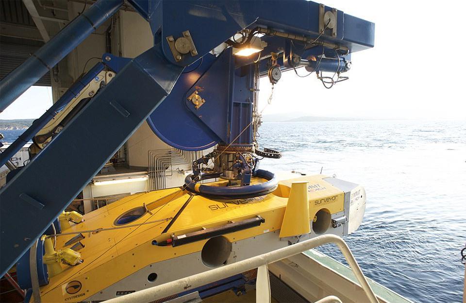 De Surveyor Interceptor kan tot 1.800 meter diep duiken.