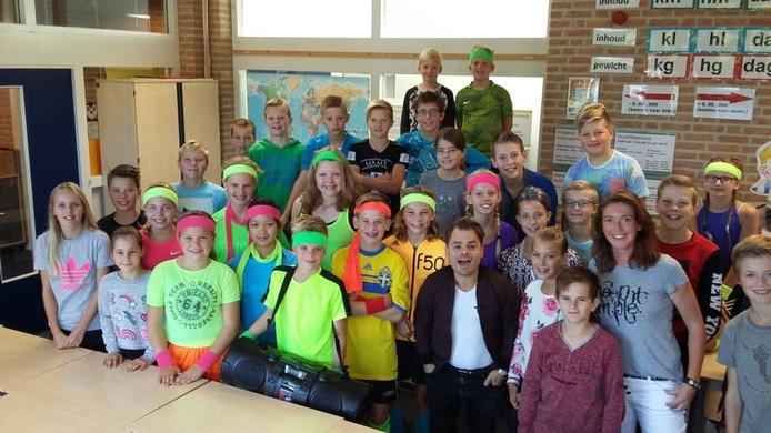 Video Roel Van Velzen Prijst Optreden Raalter Scholieren