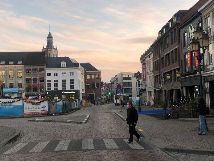 Nadat de werken op de Grote Markt afgerond zijn, komt er een heropeningsfeest, maar 200.000 euro daarvoor uittrekken, vinden ze bij de oppositie overdreven.