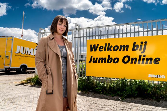De Poolse studente Agata Olejarczyk werkte vijf weken undercover in het distributiecentrum van Jumbo in Den Bosch. Ze schreef er een verhaal over voor het Brabants Dagblad.