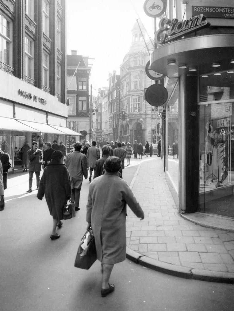 De Kalverstraat vroeger Beeld Stadsarchief