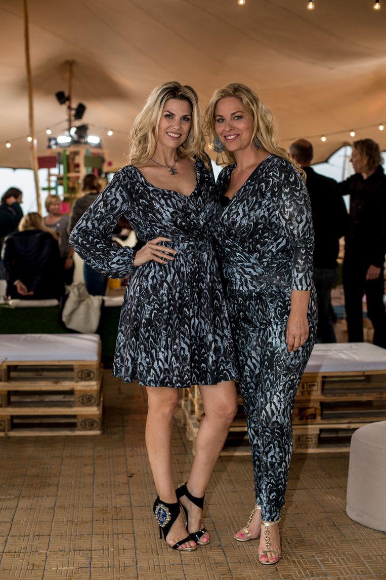 Tanja Dexters met haar zus Mieke