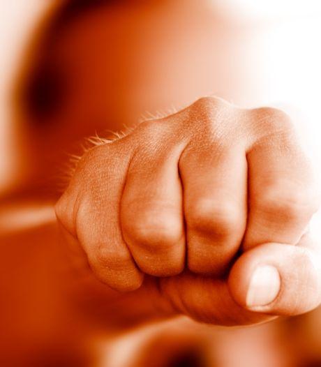 Veenendaler (24) die vriendin sloeg meent dat ze letsel in scène zette: 'Als ik écht wil mishandelen, verbouw ik iemand'