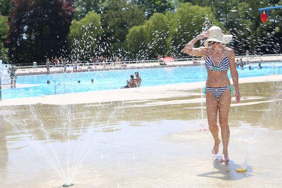 Twee jaar geleden werd het waterspeelplein met fonteintjes geopend.