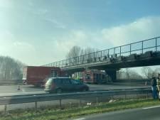 Ernstig ongeluk op de A12 van Utrecht naar Woerden, minstens één gewonde en alle rijbanen afgesloten