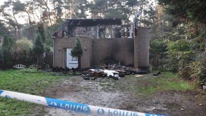 Arbeider sterft bij zware brand in Wachtebeke, vijf andere bewoners ontsnappen aan vlammen