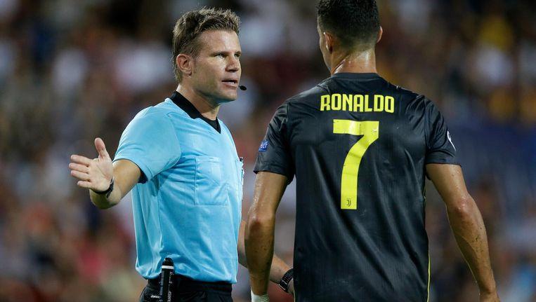 Brych floot tijdens de vorige speelronde Valencia - Juventus Beeld Jeroen Meuwsen/Soccrates