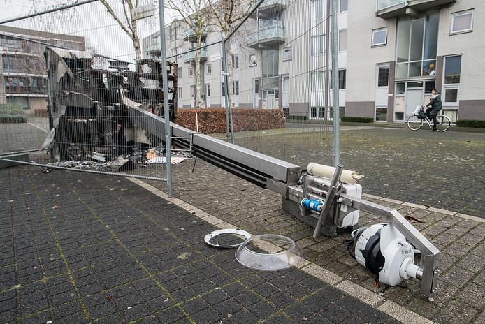 Een van de drie tijdens de jaarwisseling vernielde mobiele camera's in de Hoge Vucht.