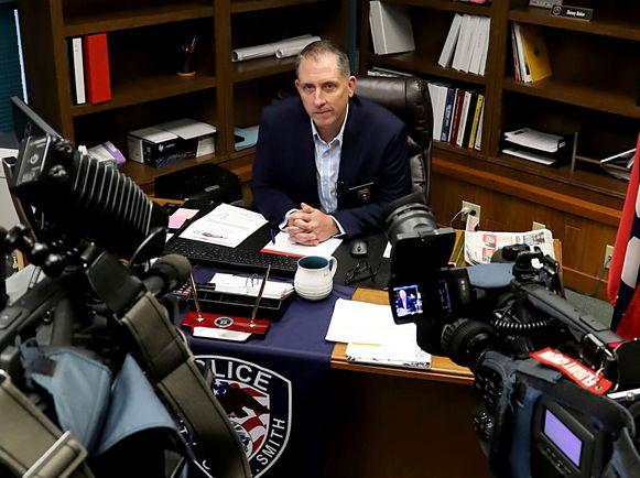 Commissaris Danny Baker.