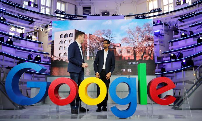 Google-topmannen bij de opening van een Google-kantoor in Berlijn.