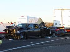 A50 tot 23.00 uur dicht na zwaar ongeval bij Nistelrode: twee zwaargewonden