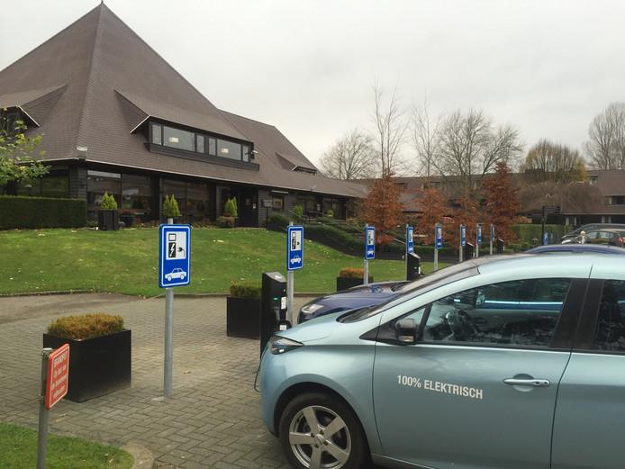 Er zijn al wel Veluwse recreatieondernemers die laadpalen hebben geplaatst op hun terrein. Zoals Hotel De Cantharel in Apeldoorn. Maar dat moeten er meer worden.