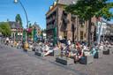 Het terras van Las Rosas op 1 juni, de dag dat de horeca weer open mocht.
