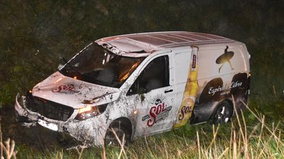 Drie ongevallen in drie minuten op gladde E403