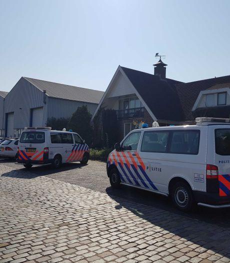 Politie valt woning in Kampen binnen: hennepkwekerij ontdekt met 1600 planten, één arrestatie