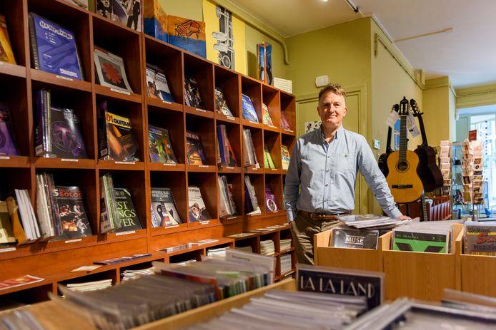Toon Habraken doet muziekhandel Toon's per 31 december definitief op slot.