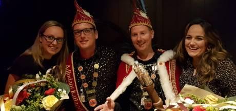 Prins Jordy en adjudant Hans in Vinkel