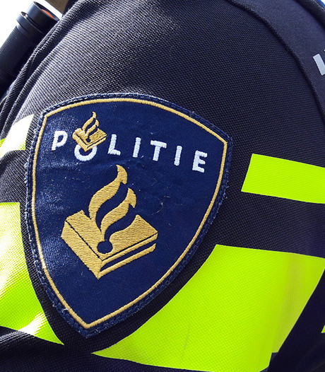 Scooterrijder opgepakt nadat hij inreed op politieagent