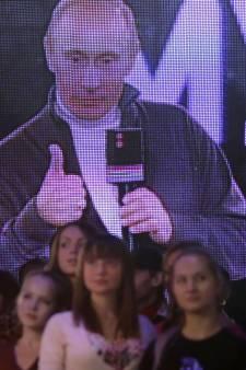 Vladimir Poetin worstelt met kritische en vloekende rappers