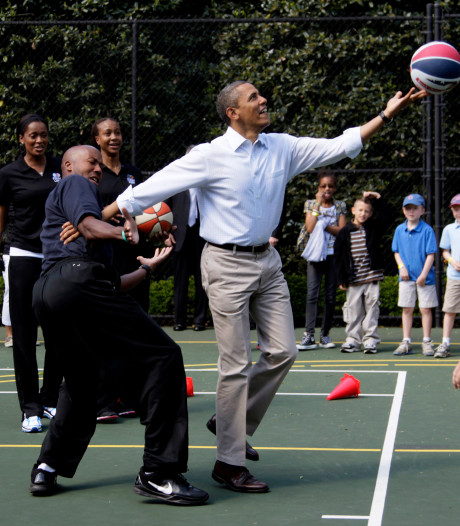 Basketbalshirt Obama levert 120.000 dollar op