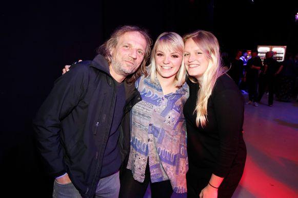 Fee Loobuyck met haar vader papa Wim en zus Wiske