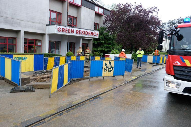 Door werken in de straat kon het water het rusthuis binnen.