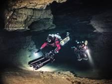 Anton verkent onderwatergrotten: 'Zo mooi, de allereerste mens die het ziet'