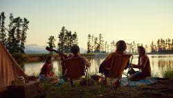 Inpakken en wegwezen: de mooiste must-haves voor een weekendje kamperen