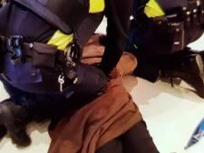 Verdachte bijt agent tijdens aanhouding op Centraal Station
