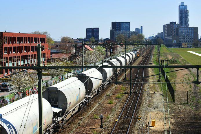 Een goederentrein bij Tilburg.