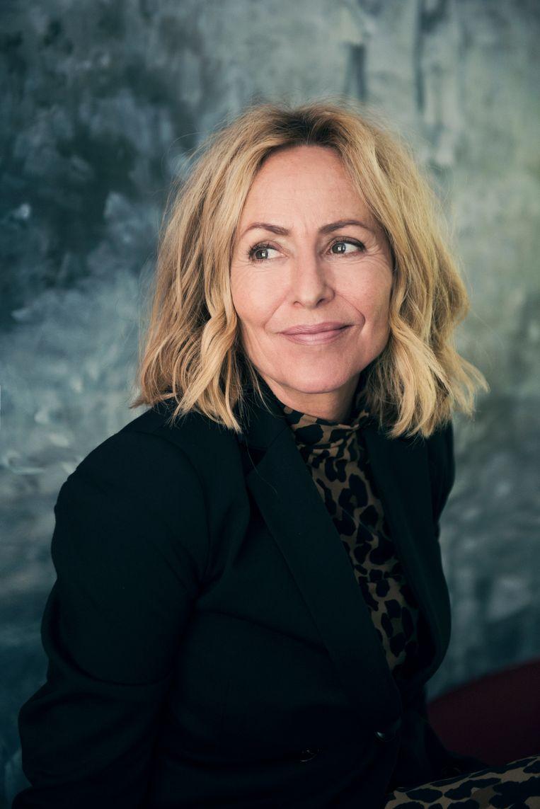 Angela Groothuizen: 'Ik mijd in de interviews geen enkel onderwerp, maar houd het wel licht.'  Beeld Mark Uyl/Lumen