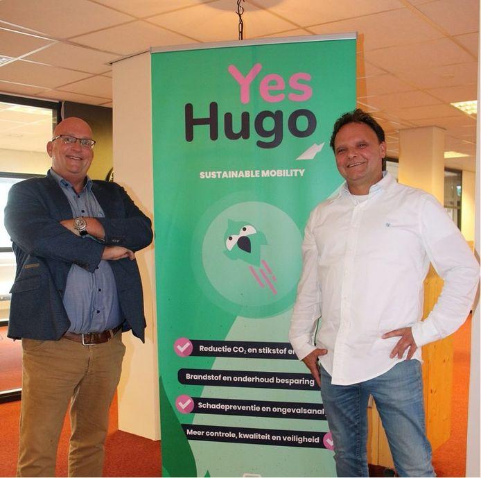 YesHugo is de naam van een nieuwe pakketdienst in Eindhoven e.o. waarbij taxi's worden ingezet. Links Marco van Gerwen, rechts Eric de Laat.