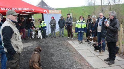 Vervuilde waterloop in nieuwe hondenweide