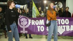 Rumoerig protest aan UGent: betogers eisen uitsluiting KVHV