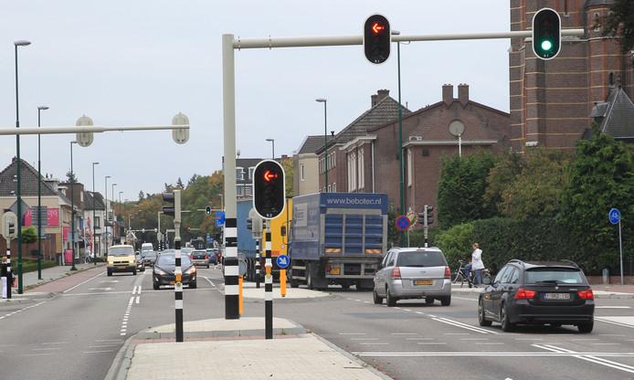 De drukke Eindhovenseweg in Aalst.