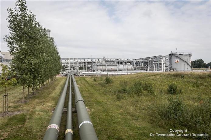 Vanuit de locatie van de NAM in Schoonebeek gaat het productiewater via leidingen naar Twente.