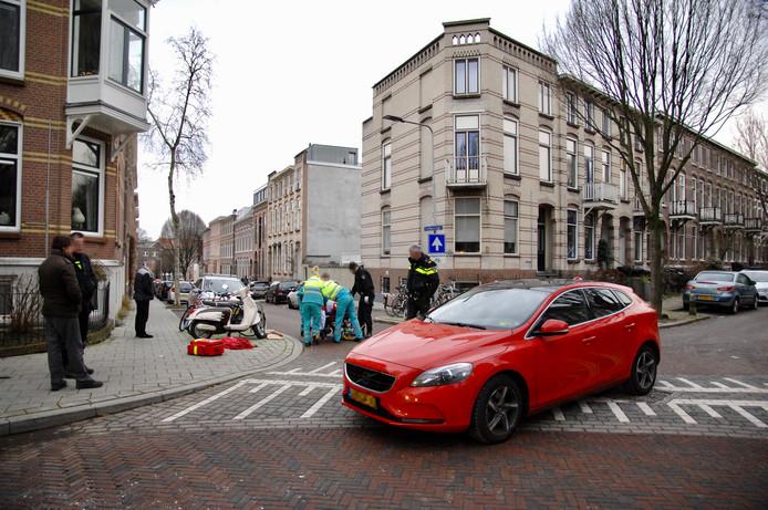 Recente aanrijding tussen een auto en een postbezorger in Arnhem. Foto ter illustratie.