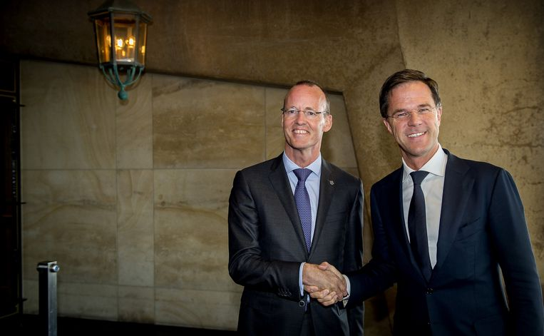 Klaas Knot met minister-president Mark Rutte. Beeld null